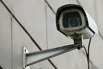 Jednou z mála městských částí, která se rozhodla pro bezpečnost školáků něco udělat, je Praha 8. Počítá s instalací kamer před mateřskou školou Kotlaska, a před zařízením v Kobylisích./Ilustrační foto