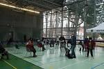 V Praze-Klánovicích bylo otevřeno očkovací centrum v místní sportovní hale.