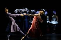 Ondřej Vinklát a Marta Drastíková jako Romeo a Julie na generální zkoušce stejnojmeného baletu.