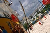 Všude jinde se na pláži postaví tribuna, kdežto v Praze se mezi tribuny naveze písek./Ilustrační foto