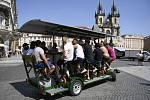 Pivní kolo, vozítko servírující alkohol skupinám turistů