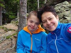 Erika Vosáhlová se svým synem.