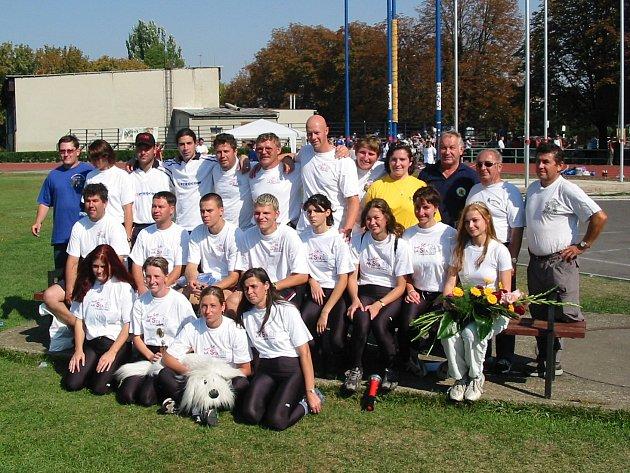 Ženské družstvo se pravidelně dostává na mistrovství republiky v požárním sportu.