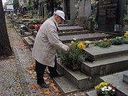 Chotěbořští strážníci procházejí hřbitov pravidelně.