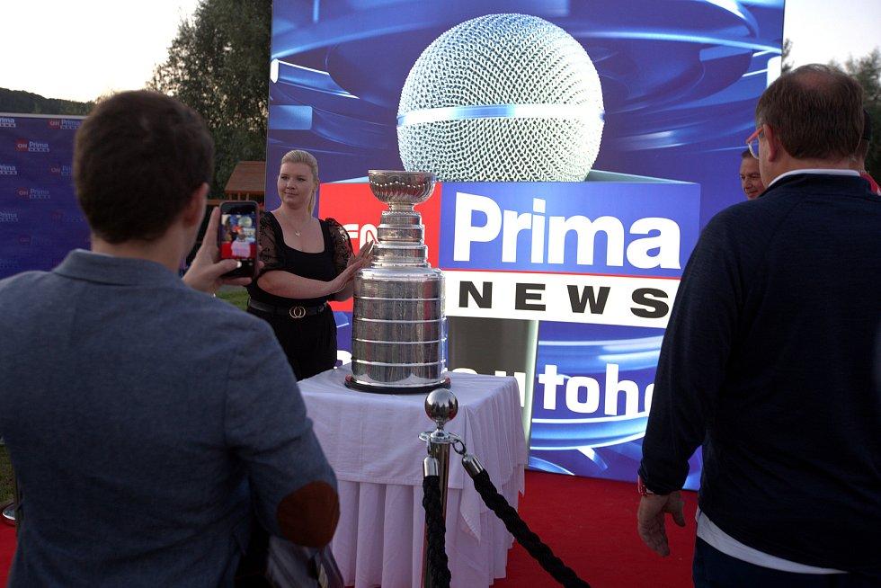 Stanleyův pohár v pražských Modřanech.
