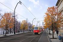 Praha připravuje proměnu centra v oblasti kolem Karlova mostu. Na snímku je Smetanovo nábřeží..