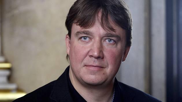 Tisková konference k dramatickému plánu sezony 2012/2013 proběhla 29. srpna v Národním divadle. Na snímku nový šéfdirigent Jaroslav Kyzlink.