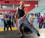Sportovní dopoledne pro děti z Dětských domovů pořádané hl. m. Prahou se konalo v Aréně Sparta Praha.