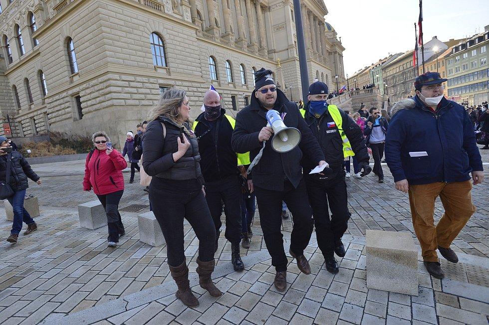 Demonstrace na Václavském náměstí v Praze 7. března 2021.