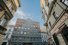 Pasáž se nachází v Jungmannově ulici v Paláci Rosetta