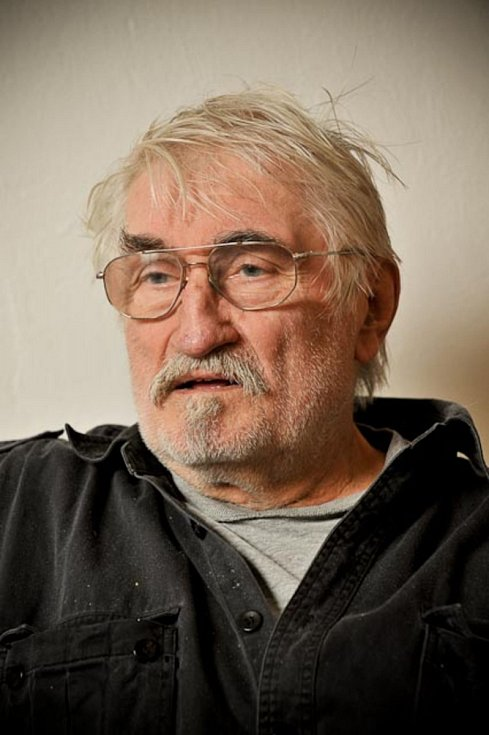 Pavel Landovský při natáčení pro Paměť národa v roce 2009.