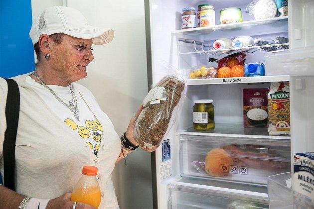 Jídlo potřebným můžete darovat do komunitní lednici na Palmovce