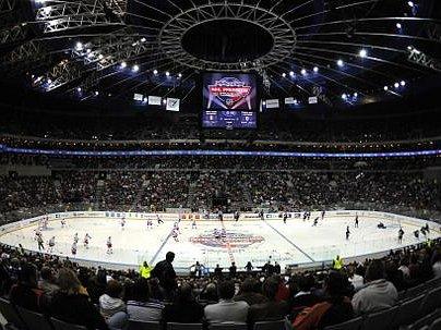 OPĚT V PRAZE? Zástupci NHL byli s dnes už loňským dvojzápasem v metropoli spokojeni, další ročník zámořské soutěže by se tak mohl zahajovat opět v Praze.