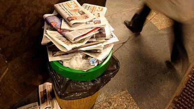Koše v metropoli přetékající odpadky by za dva roky mohly být minulostí.