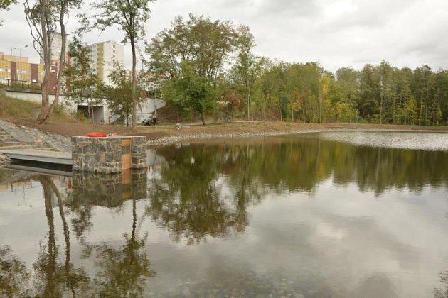 Nový rybník Lipiny v Modřanech.