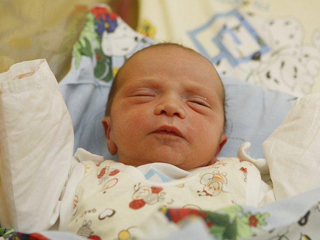 Prvním narozeným miminkem v Praze se stal David Bonchanoski v nemocnici v Motole
