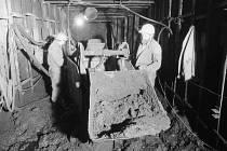 Strahovský tunel – Výstavba Strahovského tunelu započala v roce 1980, dokončena byla až roku 1997. Tunel je dlouhý 2004 metrů a v případě nebezpečí by dokázal pojmout až 15 tisíc obyvatel.