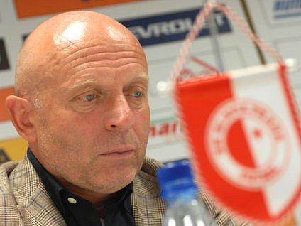 KOHO POSTAVÍ? Slavia hostí ligového nováčka a tři body jsou skoro povinnost.