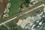Kontejnerovou loď Ever Given, která téměř týden blokovala Suezský průplav, se podařilo uvolnit. Jaké místo by obří plavidlo zabralo na letišti Václava Havla?