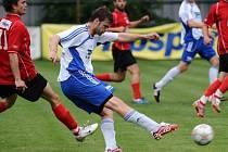 Tomáš Mašanský dává gól v zápase s Třeboní.