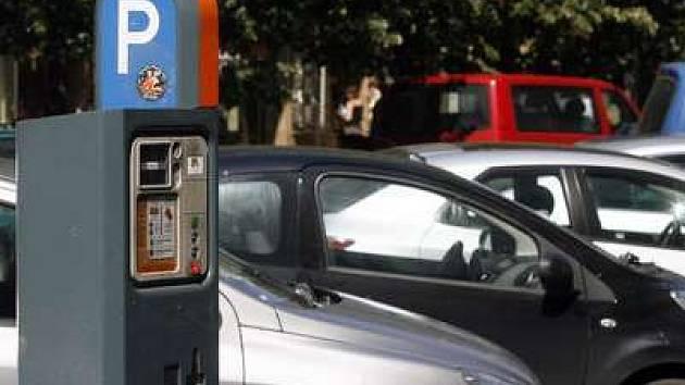 Parkovací zóny zřejmě pokryjí bezmála celou metropoli.