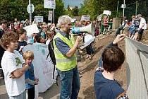 Na protest proti počinu vedení botanické zahrady vznikla i petice. Podepsalo ji už 3000 lidí.