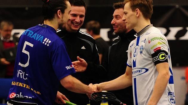 Florbalisté Chodova vyhráli nad Vítkovicemi.