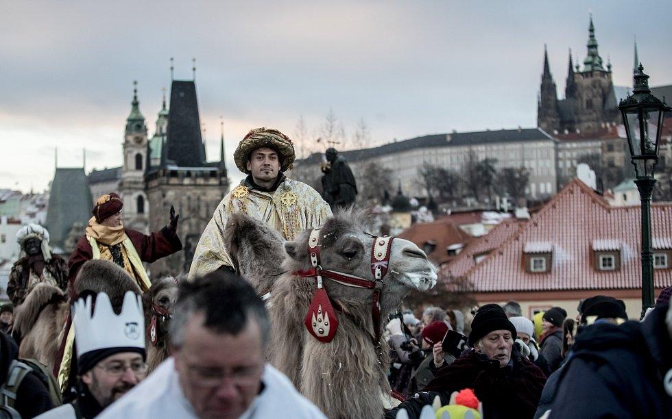 Průvod Tří králů prošel centrem Prahy.