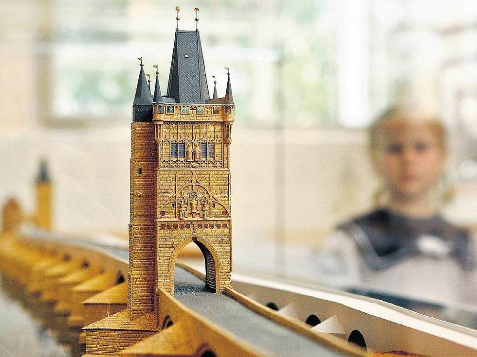 MODEL KARLOVA A JUDITINA MOSTU. Veřejnosti se expozice poprvé otevře dnes během Pražské muzejní noci, v běžném provozu pak začne fungovat od zítřka.