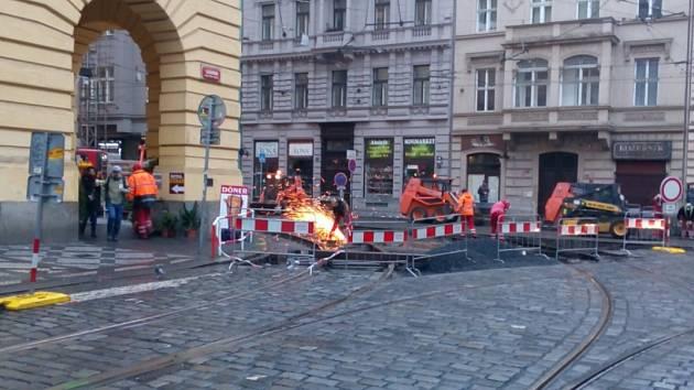 Dopravní podnik (DPP) zahájil v centru Prahy další etapu opravy tramvajových kolejí. Ilustrační foto.