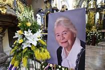 Poslední rozloučení s dlouholetou předsedkyní Konfederace politických vězňů Naděždou Kavalírovou