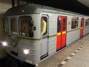 40. výročí pražského metra: jízda historickou soupravou z Depa Kačerov do stanice Florenc.