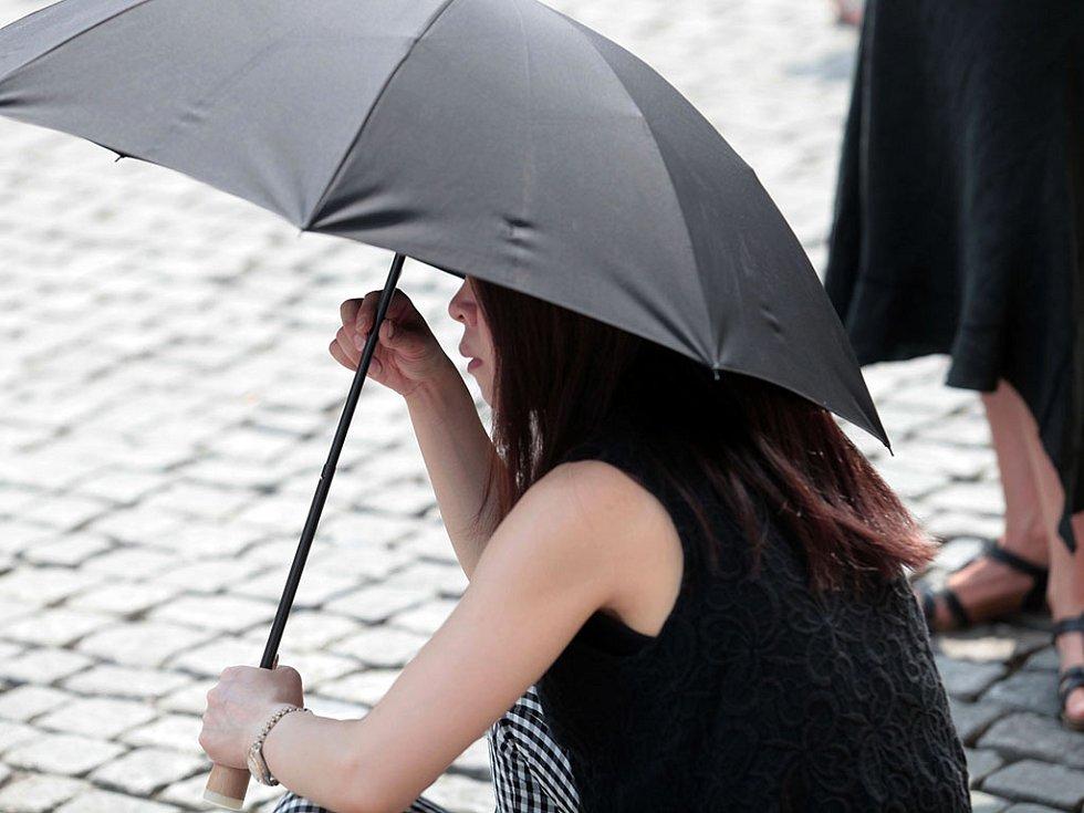 Tropické teploty v Praze 10.srpna.