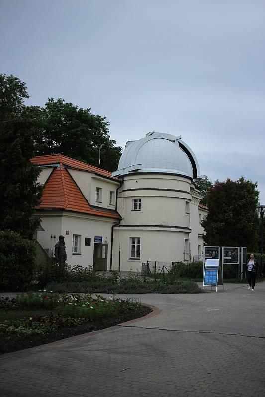 U východu z lanovky je Štefánikova hvězdárna.