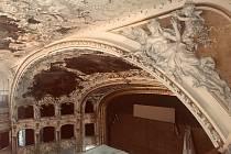 Opravy ve Státní opeře