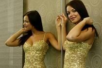 Česká Miss 2010 Jitka Válková si vyzkoušela v Praze svoji garderobu připravenou na prestižní mezinárodní soutěž krásy Miss Universe