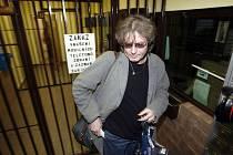 PĚT A PŮL ROKU. Bohumil Kulínský (na snímku) nastoupil v pondělé odpoledne do výkonu trestu. Původně dostal podmínku, Vrchni pražský soud ji však změnil na nepodmíněný.
