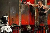 Letošní první uvedení Shakespearova Macbetha se konalo v rámci Letních shakespearovských slavností na Pražském hradě.