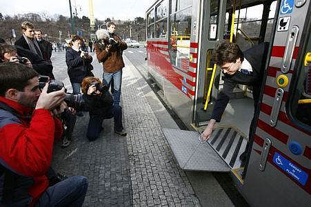 Praha se po deseti letech vzdává pokusů uvést poruchové vozy do provozu./Ilustrační foto
