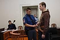 Soud projednává případ Jana Ernesta souzeného pro vraždu