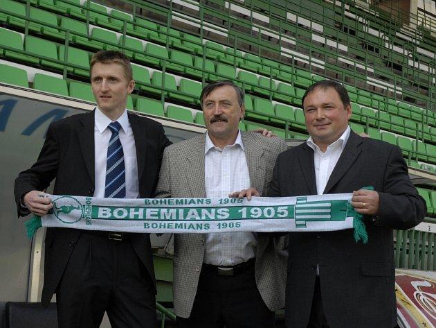 Noví majitelé a věčná legenda. Zleva Martin Frelich, Antonín Panenka a Dariusz Jakubowicz.