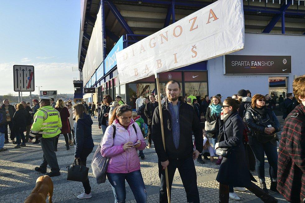 Demonstrace proti Babišovi na Letné 16. listopadu 2019.