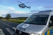 Posádka záchranářského vrtulníku z Prahy zasahovala na místě dopravní nehody v Louňovicích na Praze-východ.