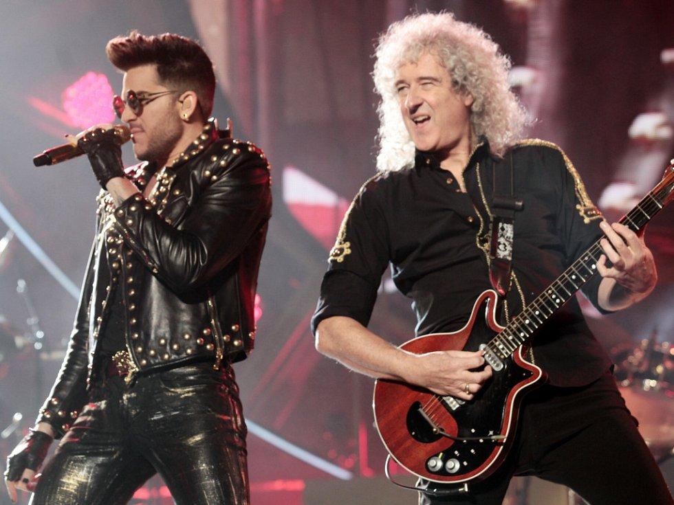 Koncert skupiny Queen a Adama Lamberta v O2 Areně.