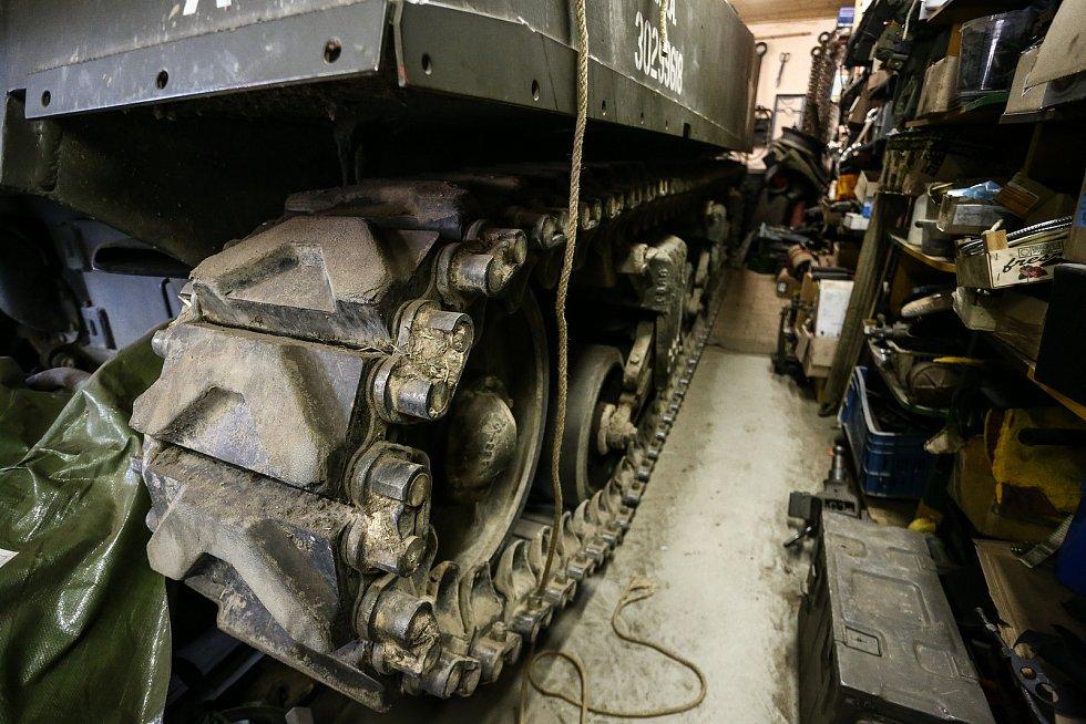Sherman není laciná záležitost, jen pásy přijdou na milion korun.