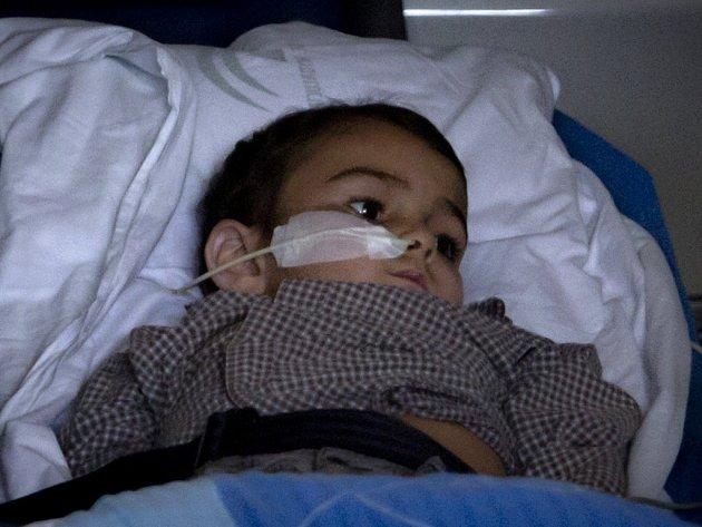 Pětiletý pacient Ashya King, který má nádor na mozku.