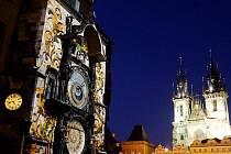 Projekce na věž Staroměstské radnice představila 3. září v Praze nejen výstavbu této památky, ale připomněla také významné okamžiky českých dějin.