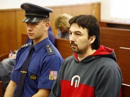 David Borkovec(na fotografii vpravo)  čelil obvinění ze zpronevěry a ze zneužívání pravomoci veřejného činitele.
