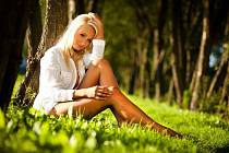 MLADÁ, ALE PŘESTO ROZUMNÁ Andrea Karešová žije jako ostatní studentky. V jejím běžném dni jsou vyváženě zastoupené studium, modeling, přátelé i volnočasové aktivity.