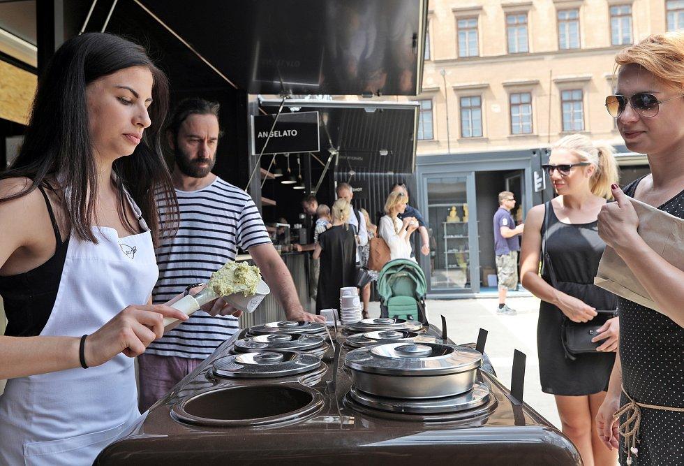 Manifesto otevřelo v centru Prahy kulturně-gastronomické centrum.